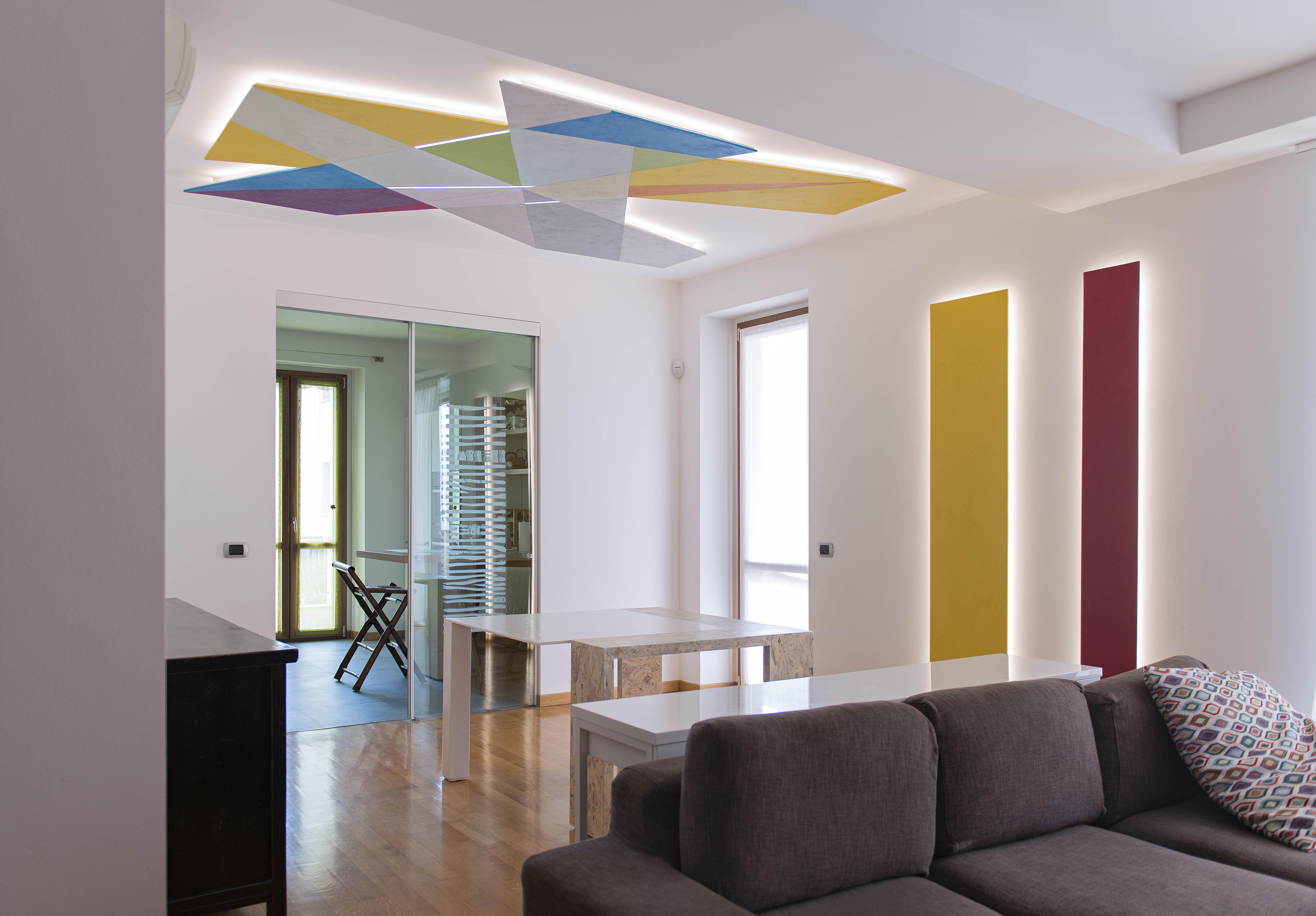 scultura luminosa e tavolo di design 04